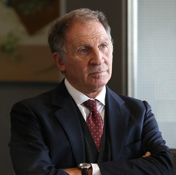 Prof. Nicola Sorrentino, specialista in scienza dell'alimentazione e dietetica, idrologia, climatologia e talassoterapia