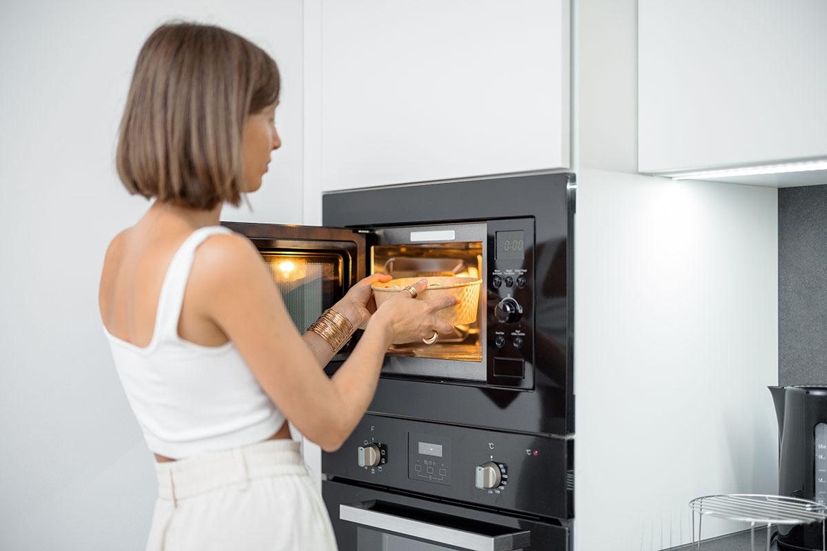 Cucinare al microonde fa male alla salute? - Prof. Nicola Sorrentino